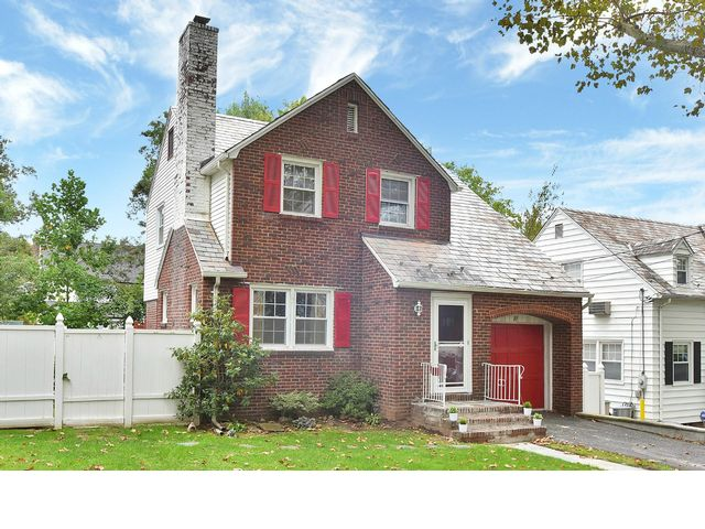 3 BR,  1.50 BTH  Colonial style home in Teaneck